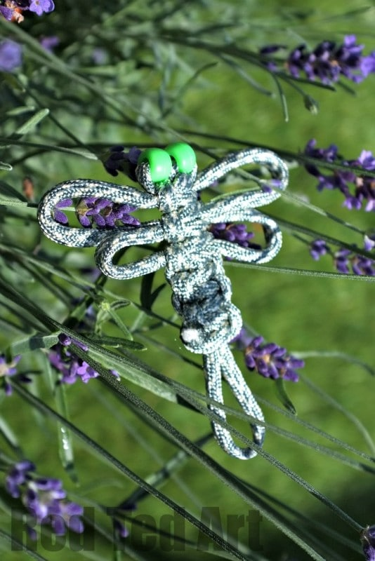 Paracord Craft Ideas - adorable dragon flies, look great as hair clips brooches or keychains