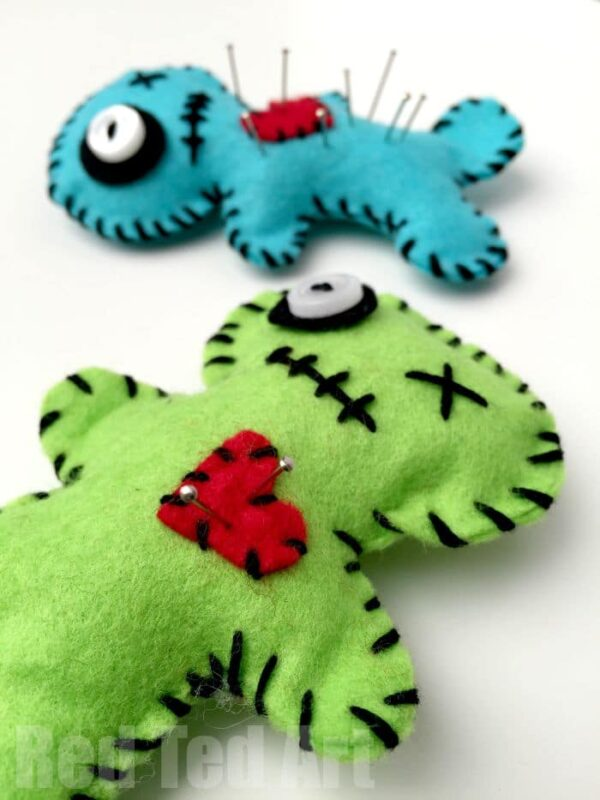 Make your own Voodoo pin cushions - fun for Halloween, makes a great gift AND beginners sewing project. For Teens and For Tweens. Get kids Sewing with these cool Voodoo Pin Cushions #sewing #voodoo #pincushion #summer #halloween
