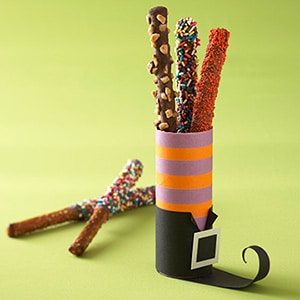 TP roll Witches Leg for Halloween - a perfect treat gift box