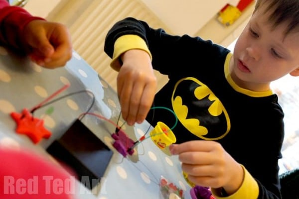 Electric Playdough - easy science for kids - so much fun