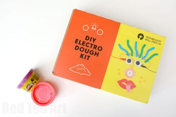 Electric Playdough - such an easy science experiment for kids