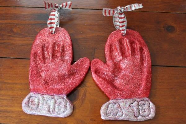 Handprint-Mitten-Ornaments-8