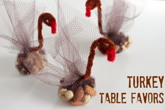 Turkey-Table-Favors-for-Thanksgiving-makeandtakes.com_