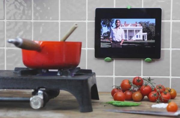 home hacks - DIY Ipad wall mount