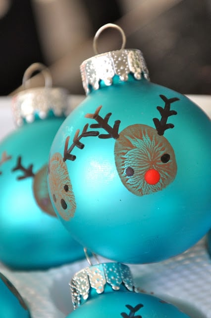 thumbprint Christmas oraments - such wonderful keepsakes for kids to make