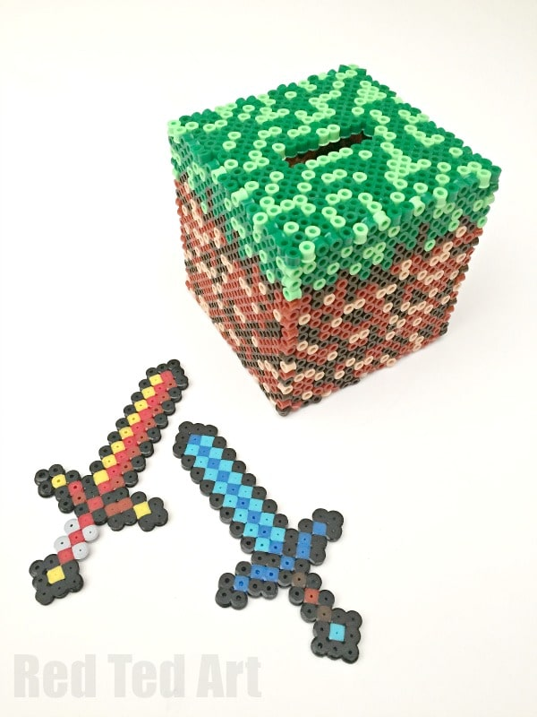 Minecraft Perler Bead Pattern - free Moneybox Pattern idea - a fun and practical minecraft craft made from melty beads