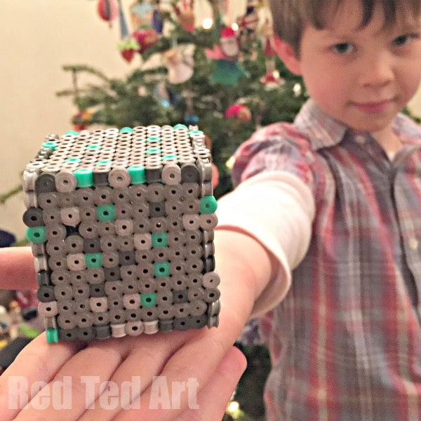 how to make a perler bead box pattern - perfect for minecraft fans, make some minecraft boxes or minecraft moneyboxes
