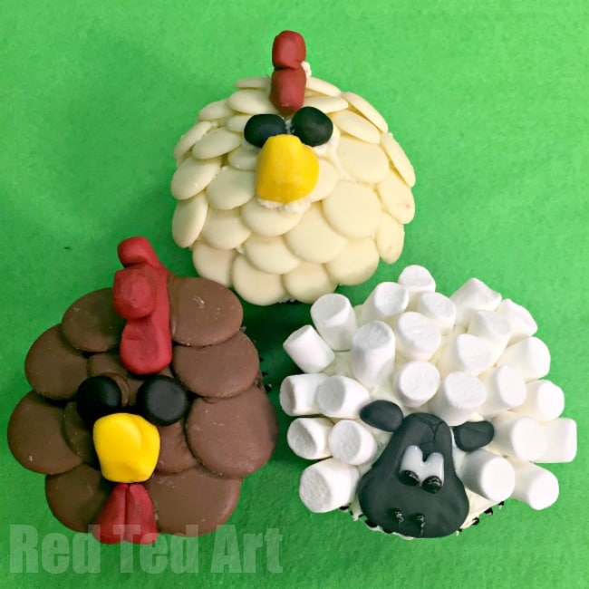 Easy Chicken Cupcakes - perfect for a Farm Themed Party. These are seriously adorable and are super tasty (oh and nice and easy to make!)
