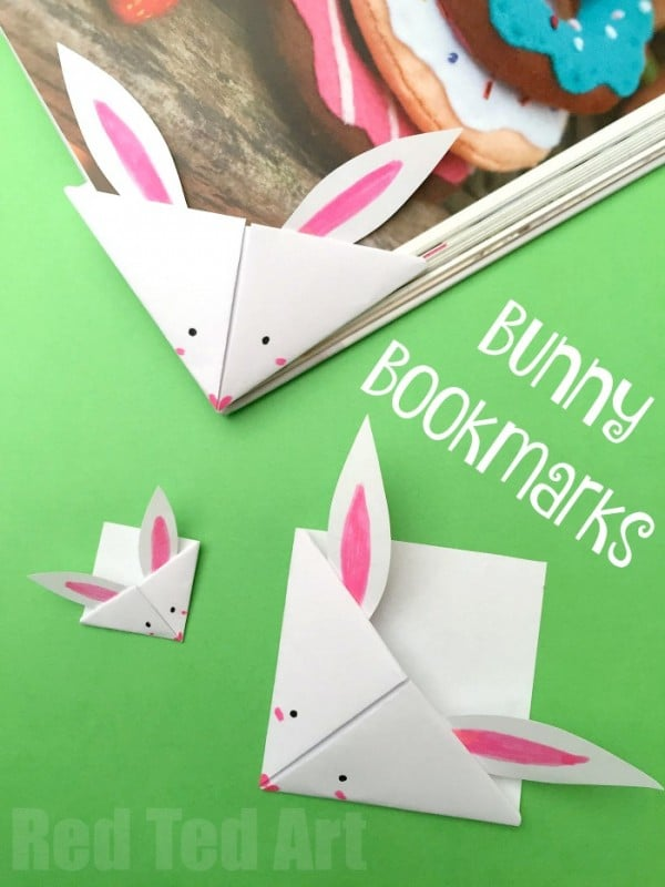 Easy Paper Bunny Bookmark Corner - simple Bunny Origami Bookmark. Make an adorable little spring craft. We love making corner bookmarks. And this Paper Bunny Corner Bookmark Craft is no exception. A quick and easy Bookmark for Easter #kids #easter #eastercrafts #bunny #bookmarks #cornerbookmarks #papercrafts