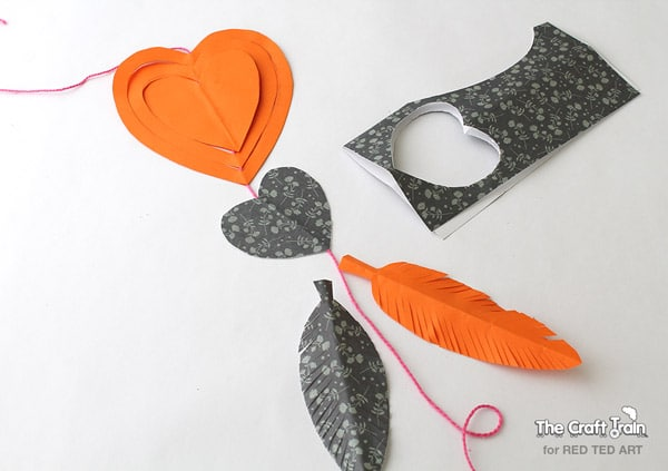 Easy Paper Crafts - a gorgeous heart mobile - super cute decoration for Valentine's Day or for a child's bedroom (3)
