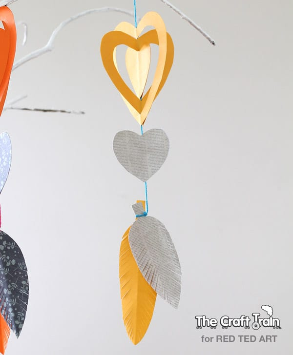 Easy Paper Crafts - a gorgeous heart mobile - super cute decoration for Valentine's Day or for a child's bedroom (4)