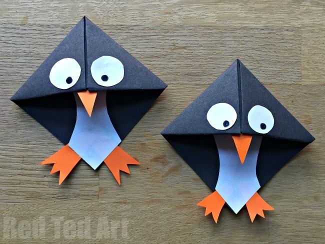 Easy Penguin Bookmark Corner. These penguin bookmarks are so quick and easy to make and are a great beginners origami project!