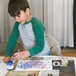 Easy Pointillism for Kids - a cute heart project (perfect for Valentines Day projects too!)