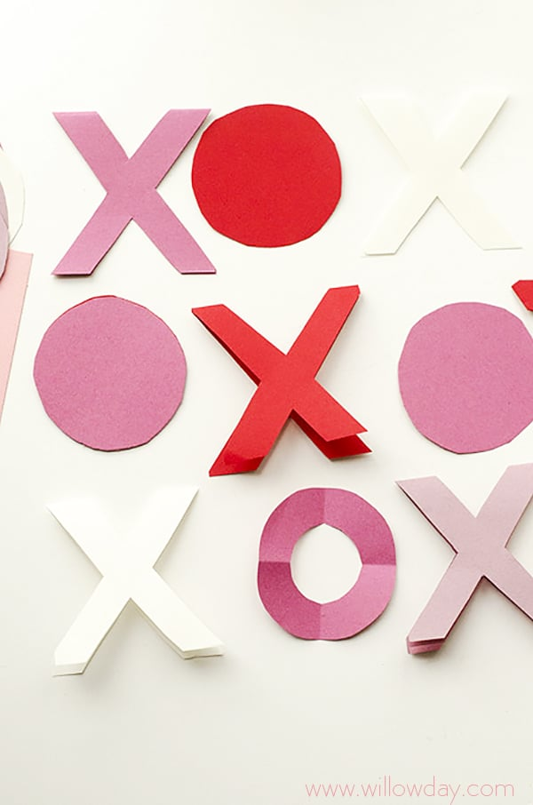 Hugs and Kisses Craft Idea - easy Valentines Day Garland