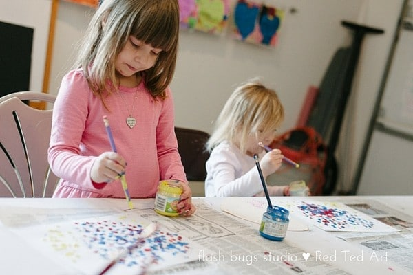 Pointillism for Kids. A cute heart project (perfect for Valentines Day projects too!)