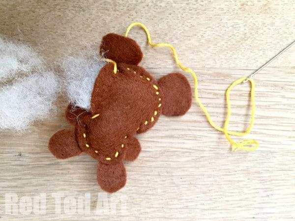 Cute Felt Softies Free Pattern. Make a bear and bunny