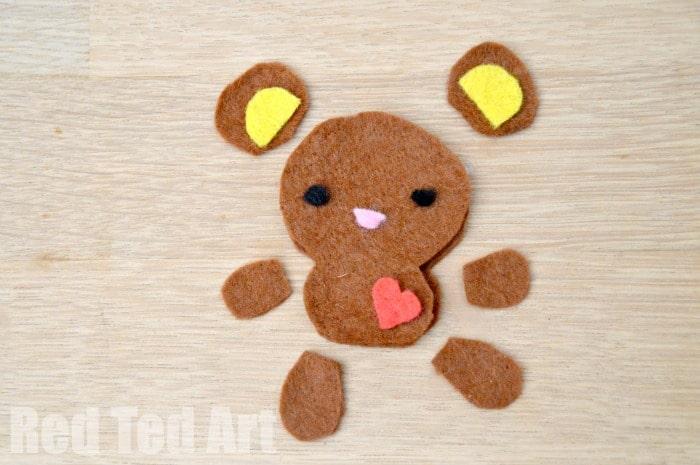 Cute Felt Softies Free Pattern. Make a bear or a bunny