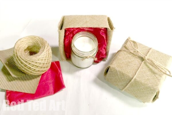 Gift Ideas for Mother's Day - DIY Candle and Rustic DIY Gift Box made from Hessian