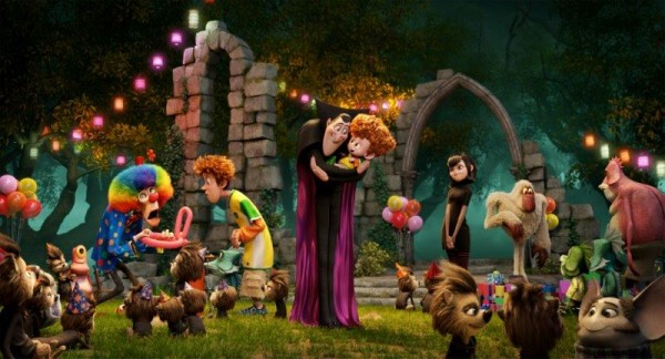 Hotel Transylvania 2 - a super fun movie for kids - perfect as a non scary movie at Halloween (3)