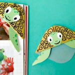 Easy turtle bookmark corner - adorable summer craft for kids