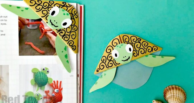 Easy Turtle Bookmark Corner