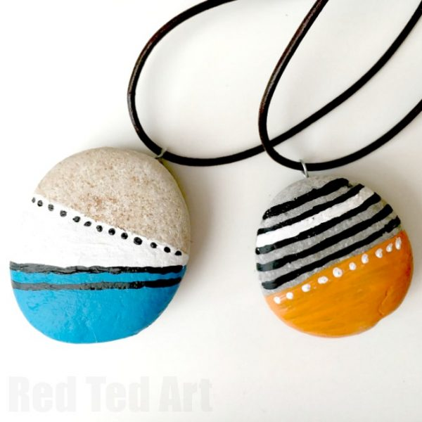 DIY Stone Pendants - no specialist tools required. These stone pendants are easy to make and are a great summer keep sake. design them whatever way you want!
