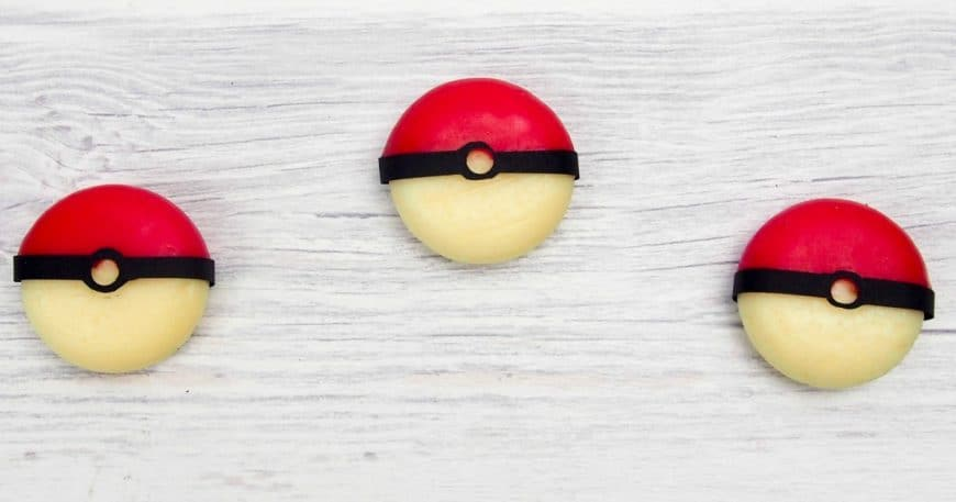 Easy-Edible-Pokeballs-facebook-870x457