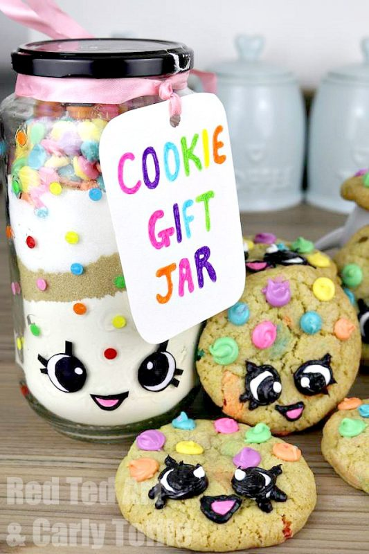 Gorgeous Rainbow Cookie Gift Jar DIY Set. Inspired by both Kawaii and Shopkins, these are simply adorable to make and give!