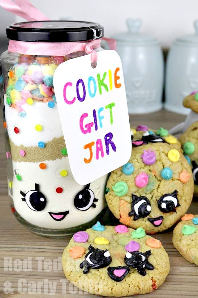 Gorgeous Rainbow Cookie Gift Jar Set. Inspired by both Kawaii and Shopkins, these are simply adorable to make and give!