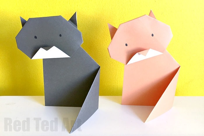 Super Cute And Easy Origami Cat Love How This One Stands Up Lovely Little