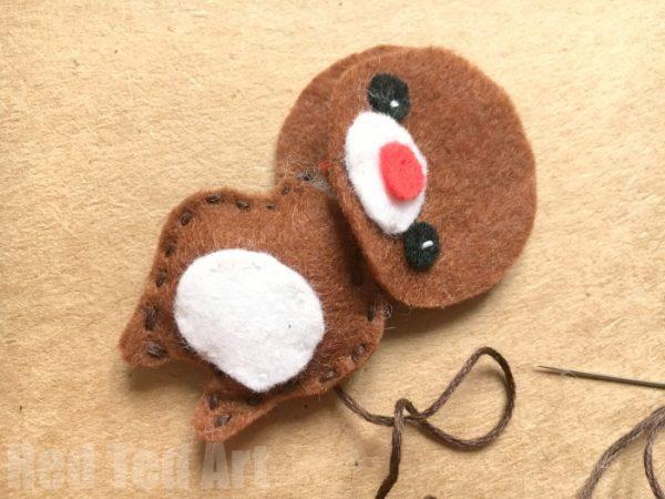 felt-reindeer-ornament