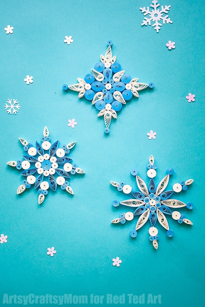 Wonderful Paper Quilled Snowflake Ornaments. These DIY Christmas Ornaments are simply stunning! If you love quilling, you will adore this Quilling Pattern! Quilled Snowflake Patterns.