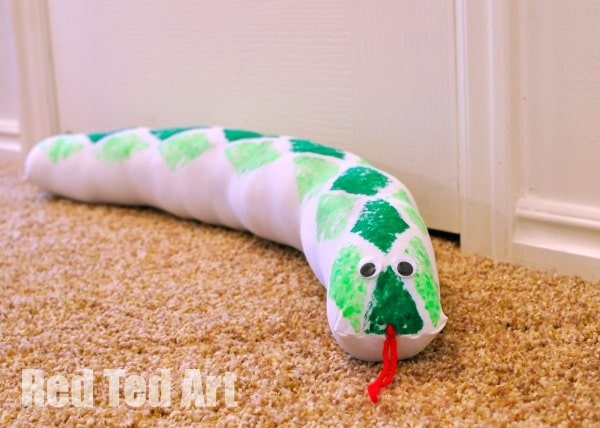DIY Draught Excluder Snake (14)