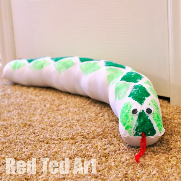 DIY Draught Excluder Snake (4)