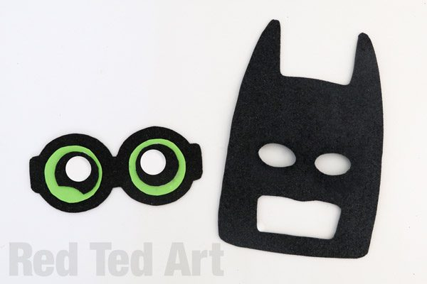 The LEGO Batman Movie - Batman Mask DIY (2)