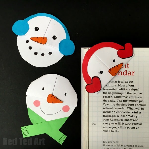 Cute and EasySnowman Bookmark Design - perfect for snuggling down with your new Christmas Books. Or make and give them for friends back at school. Love these darling Snowmen Bookmarks!