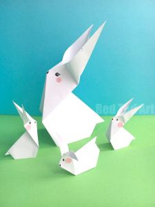 Easy Origami Carrot for Easter. Looking for cute and easy Origami Easter Patterns? These Paper Carrots are so fun to make. Perfect companion to an Origami Bunny this Easter #easter #origami #carrot #papercrafts