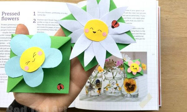 Easy Flower Bookmark Corner