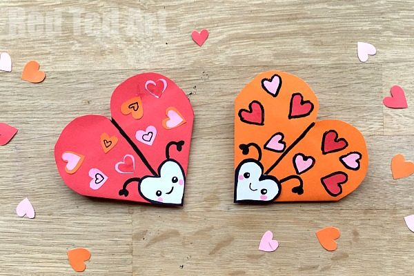 Have a go at this Love Bug Bookmark Corner. Super cute and simple Corner Bookmark Design for Valentine's Day. How to make a Valentine's Day Bookmark for kids. Paper Love Bug Crafts for Valentine's Day! #Valentines #bookmarks #oriagmi #lovebug