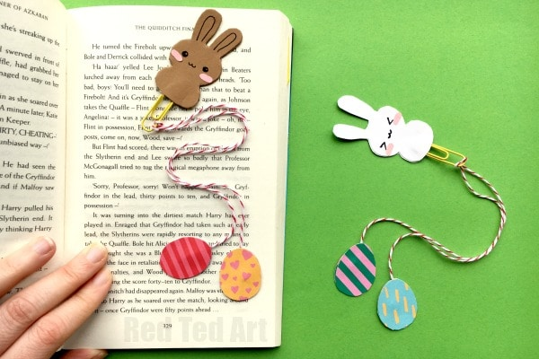 Bunny Bookmark Design for Easter - oh my how adorable are these Easter Bunny Bookmarks??? Just TOO CUTE. Love those little paper bunnies and Easter Eggs. How fun. Simply adorable a great little craft and gift to make this Easter. Love.