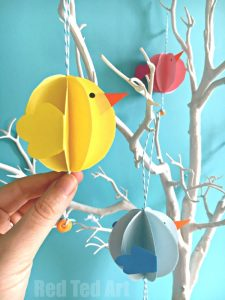 Easy Paper Chick Decor DIY - Easter Decor. Such cute little paper decorations for a Easter party. Love all Chick DIYs.