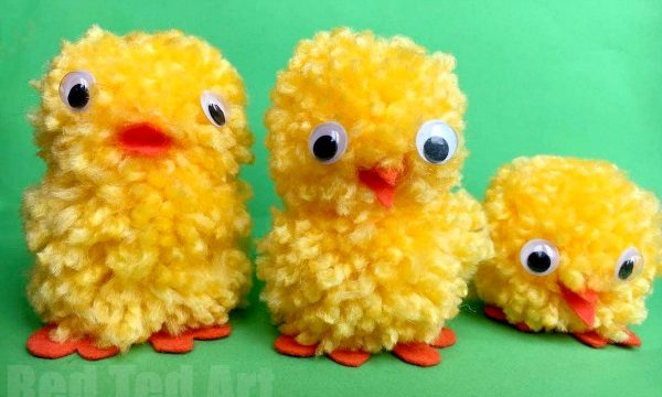 Easy Pom Pom Chicks for Easter