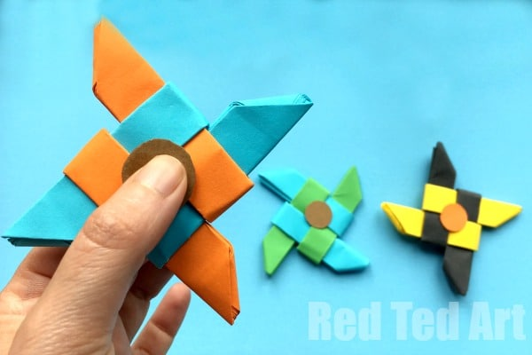 Ninja Fidget Spinner DIY - Paper Only, NO TEMPLATE Needed. The fun with Fidget Spinner DIY continues. Don't have time to print off a template? Don't fear. Today we have an Origami Fidget Spinner DIY for you. Well.. it is BASED on the Origami Ninja Star.. and then quickly and easily turned into a Ninja Star Fidget Spinner DIY. Enjoy! Great how to make a paper fidget spinner tutorial!