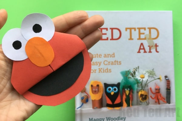 Easy Paper Elmo Craft - love this adorable Elmo Corner Bookmark DIY!