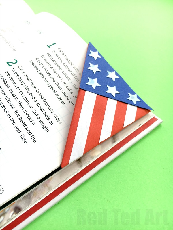American Flag Bookmark Corner - a great paper craft for Fourth of July.