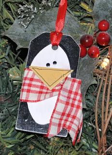 Easy Christmas Bookmark Idea - adorable Penguin