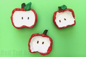Apple Crafts -e asy pinch pots