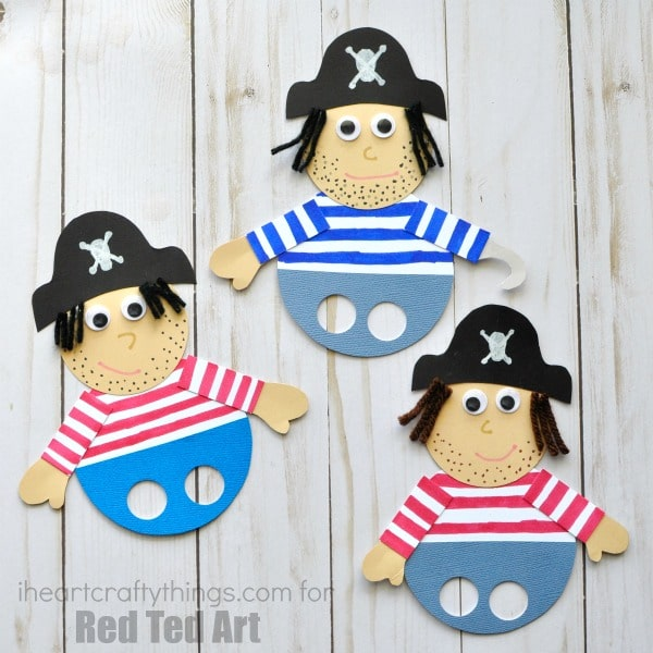 Ha harrrr Me Mateys!! Are you ready for some pirate fun? These pirate finger puppets are simple to create and provide hours of fun pretend play at home, at school or even at summer camp. #pirates #fingerpuppet #piratepuppet #piratecrafts #summer
