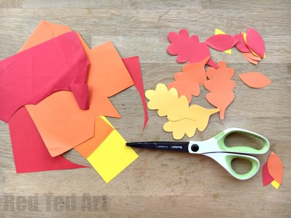 Autumn Tree Paper Plate Whirligigs - Whirlgigs are such a fun craft for preschoolers and a fabulous way to decorate the classroom or the home. Cute easy and fun. Love this Autumn Tree Paper Plate Whirligig... perfect for Thanksgiving too.