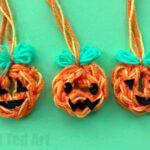 How to Finger Knit a Pumpkin